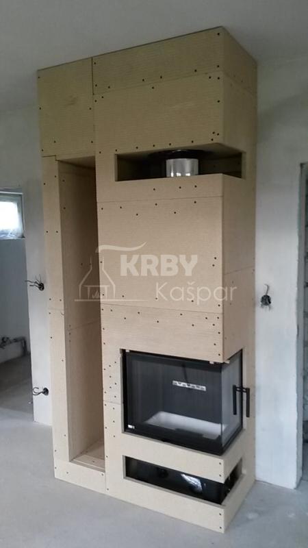 Obestavba krbové vložky Bef Home s bočním prosklením a nikou na dřevo