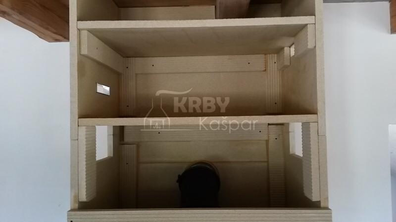 Falešný strop krbové obestavby a odizolování dřevěného stropu v dřevostavbě pomocí izolačních desek Grenaisol